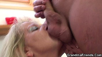Slutty granny fucks  hairy pussy from be with cumcumber