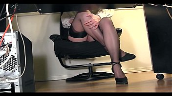 Tonights Girlfriend Autumn Falls roleplays as the naughty secretary